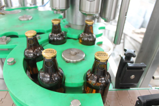 1)3 in1 Beer filling machine